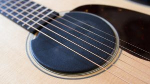How to keep your guitar humidified