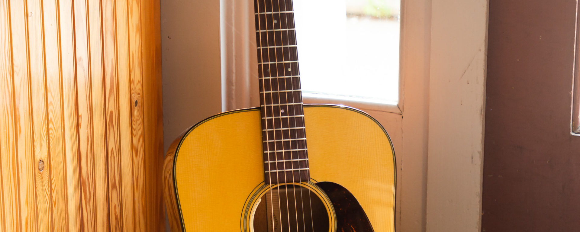Martin Acoustic Guitars - D-18E 2020 - Limited Edition (LR Baggs Electronics