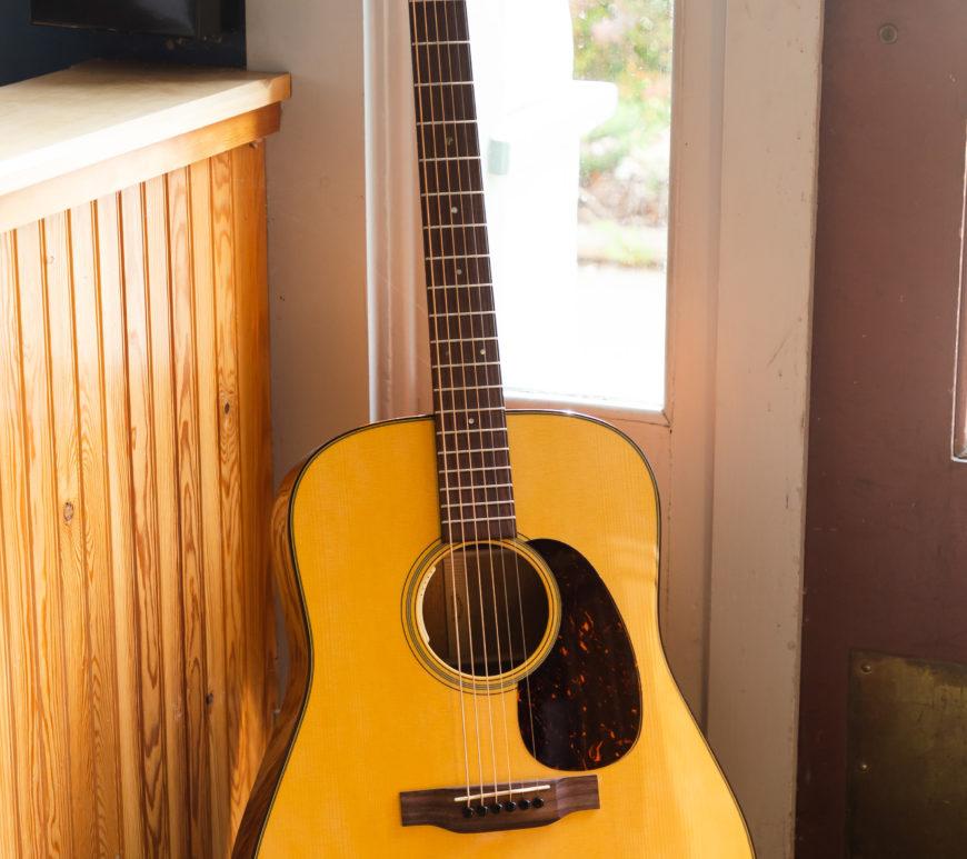 Martin Acoustic Guitars - D-18E 2020 - Limited Edition (LR Baggs Electronics