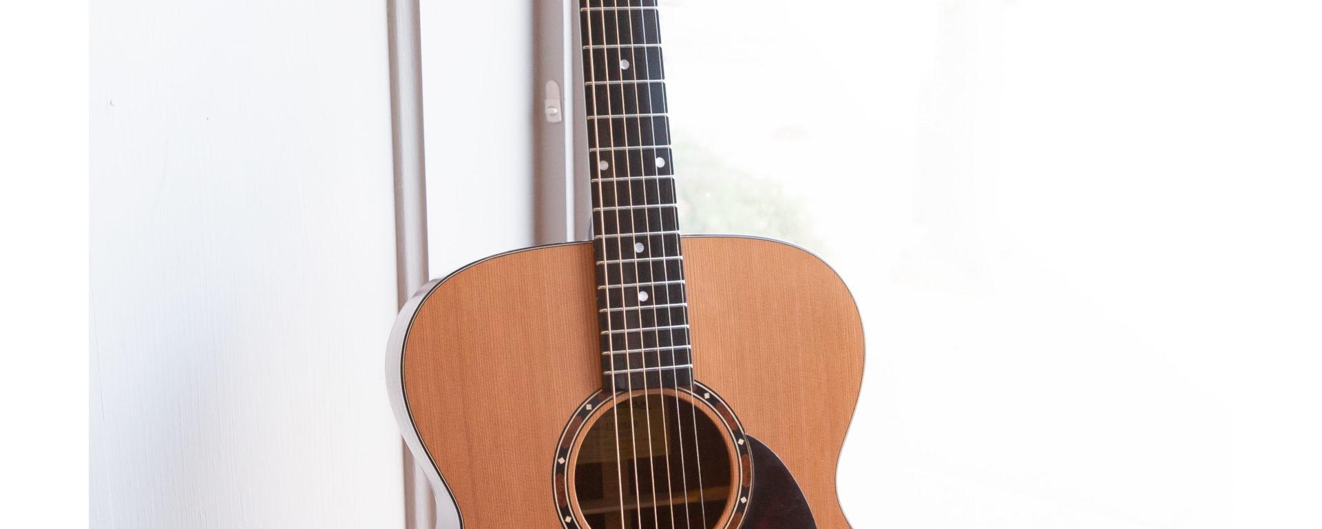 Eastman Acoustic Guitars - E2OM-CD