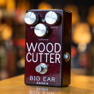 BIG EAR Pedals - WOODCUTTER Distortion - Ruby Red Sparkle