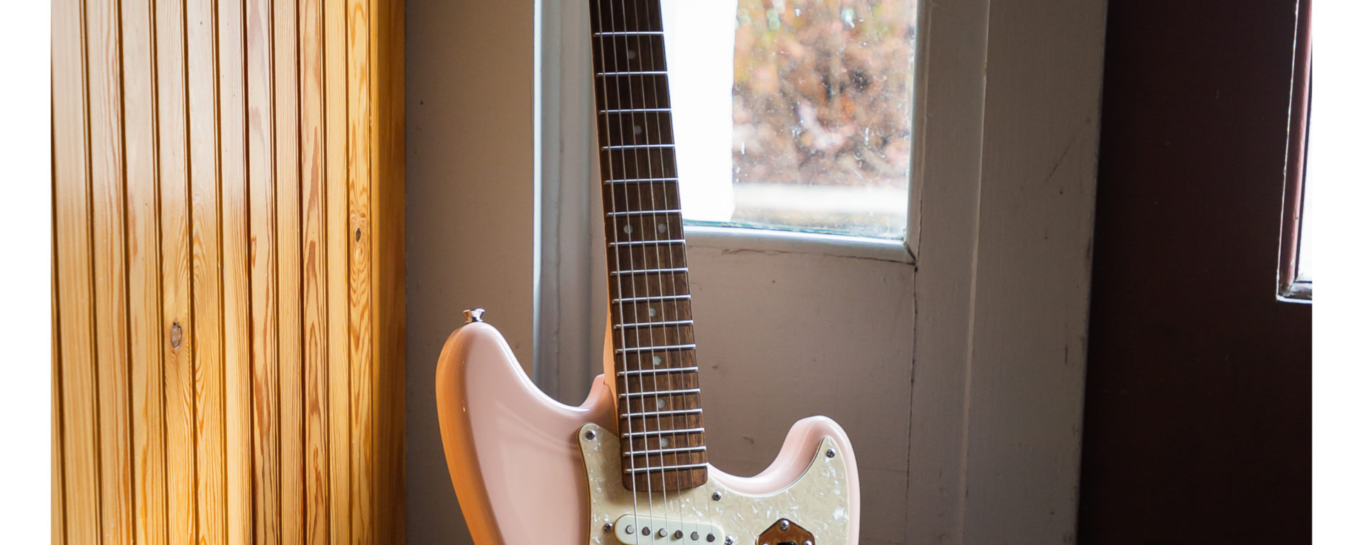 Squier - Paranormal Cyclone Laurel Fingerboard - Shell Pink