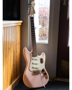 Squier - Paranormal Cyclone Laurel Fingerboard - Shell Pink