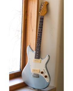 Don Grosh Electric Guitars - ElectraJet Ice Metallic Blue - Short Scale