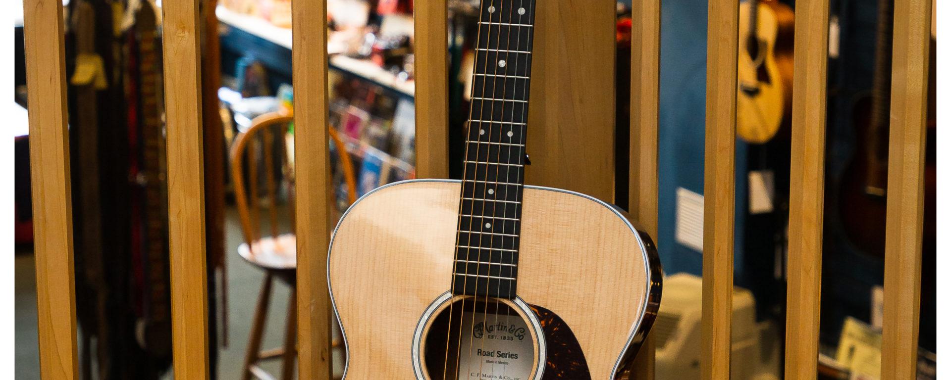 Martin Acoustic Guitars - 000-13E
